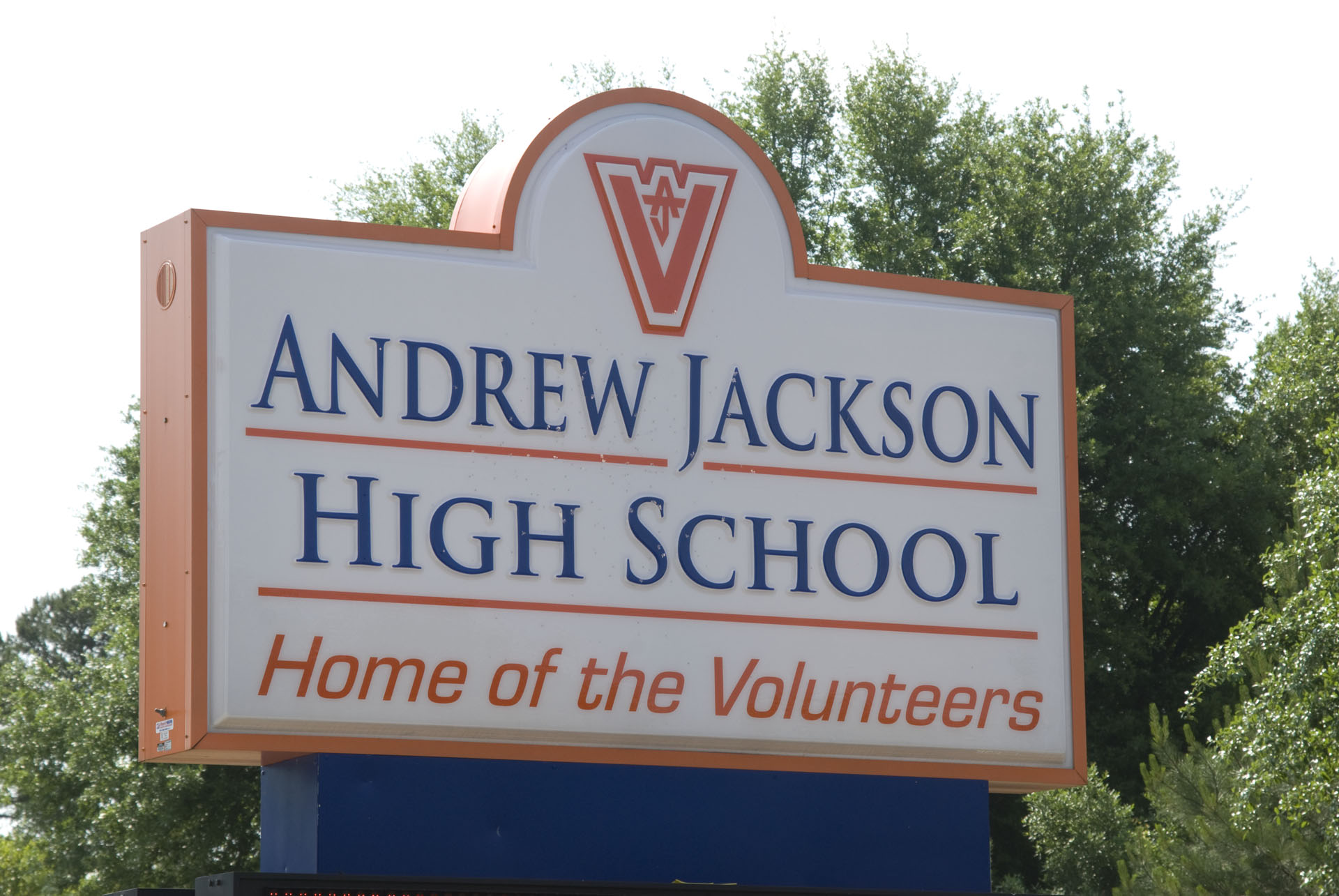 After a two-week voting period, in which Kershaw residents rallied to support Andrew Jackson High School, the community learned that their local school had been selected as a winner in Rack Room Shoes' Save the Athletes Challenge. The school received more than 4,600 votes.