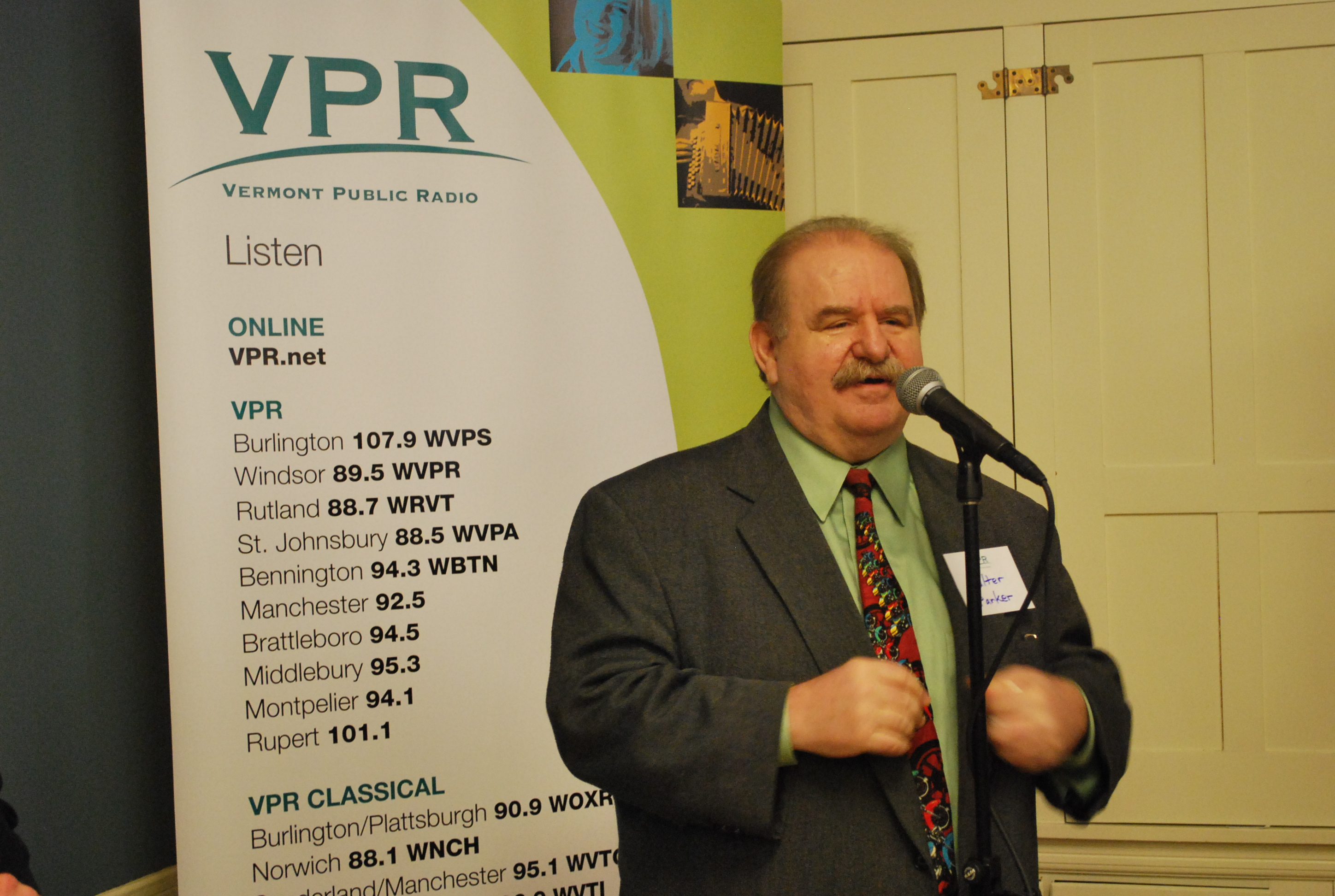 VPR Classical Host Walter Parker addresses the crowd.