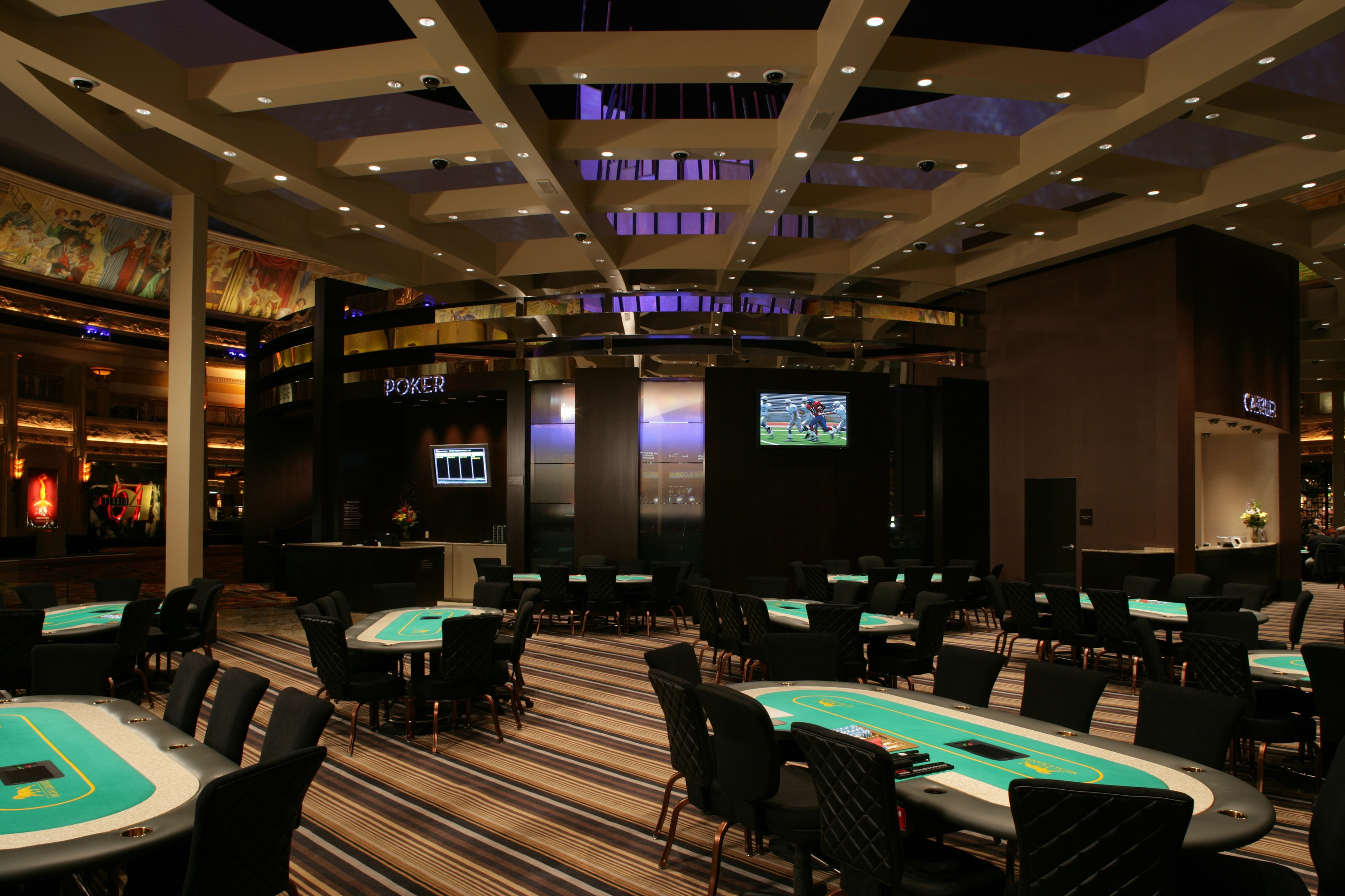 Excalibur casino poker room