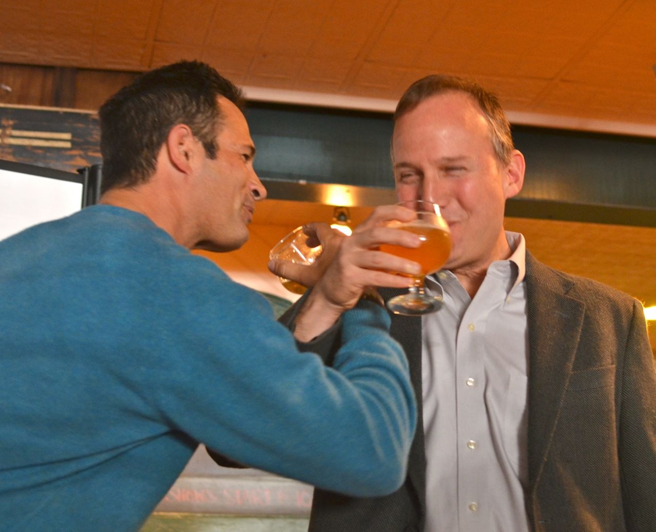Dogfish Founder & President Sam Calagione and Gov. Markell share a special toast of DNA.