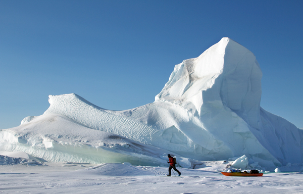 On the first attempted and completed circumnavigation of Ellesmere Island, Jon Turk and Erik Boomer dragged their kayaks for 800 miles across the sea ice, past glacial icebergs and North Pole pressure ridges, before reaching open water. The expedition took 104 days to complete.