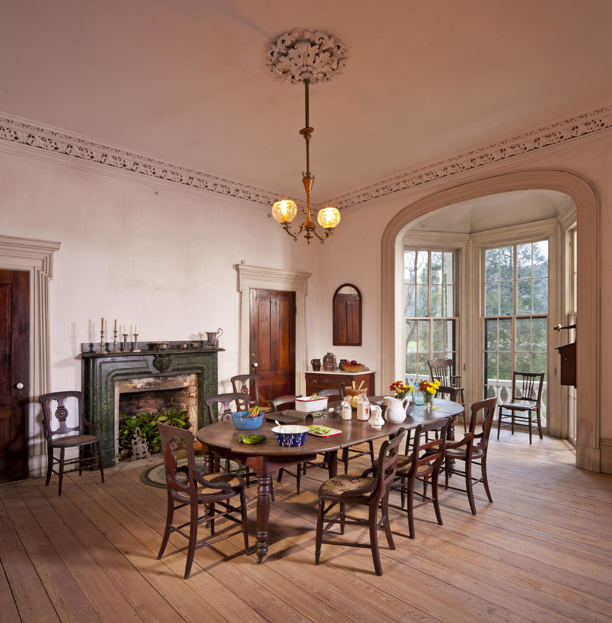 The farmhouse dining room at Hardman Farm. Photo: c Jonathan Hillyer / Atlanta