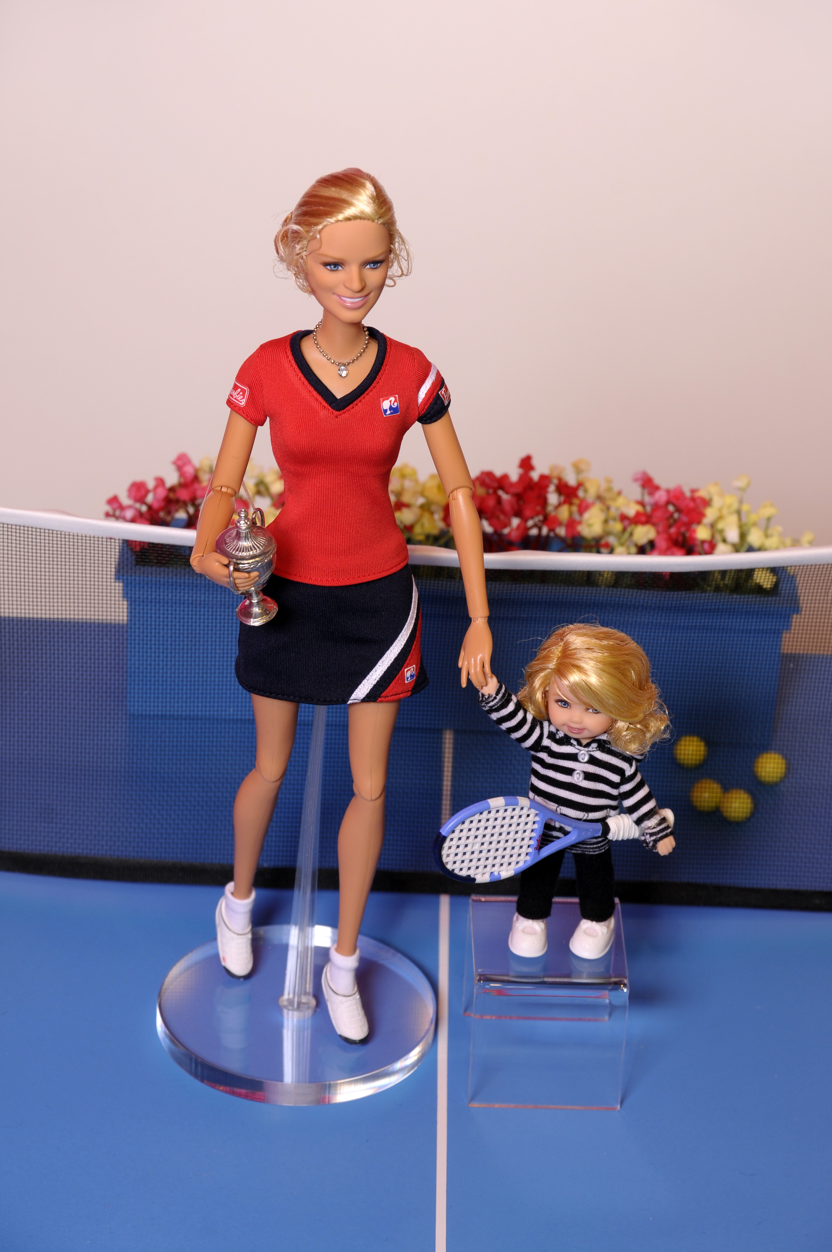 DOLLS GALORE AT WORLD S LARGEST TOY FAIR
