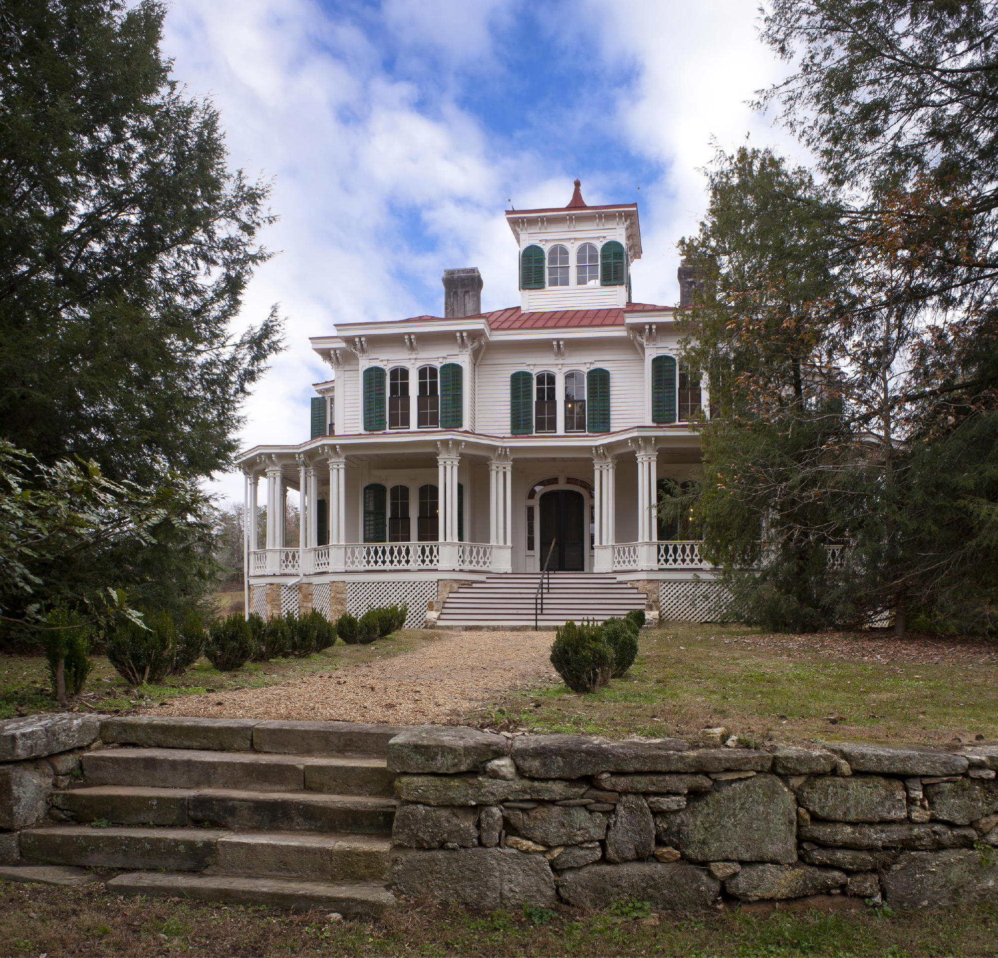 A 19th century Italianate farmhouse, once the home of a Georgia governor, has been restored to its most significant period of occupation, approximately 1915-1925, and awarded LEED Gold certification. Photo: c Jonathan Hillyer / Atlanta