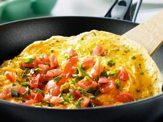 Enjoy omelettes for brunch at Heck's Cafe