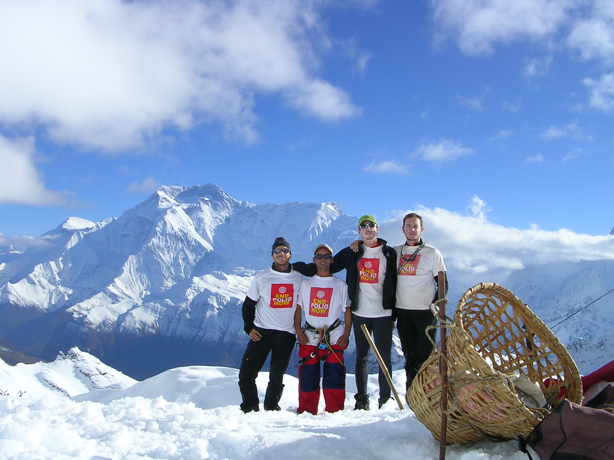 Spanish Rotarians took on Mount Everest to raise donations for the challenge grant.