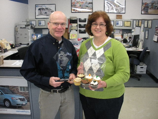 Joyce Ewart brought the Dayton team some cupcakes when she came to check on a portable wheelchair ramp for her 2003 Chrysler minivan.