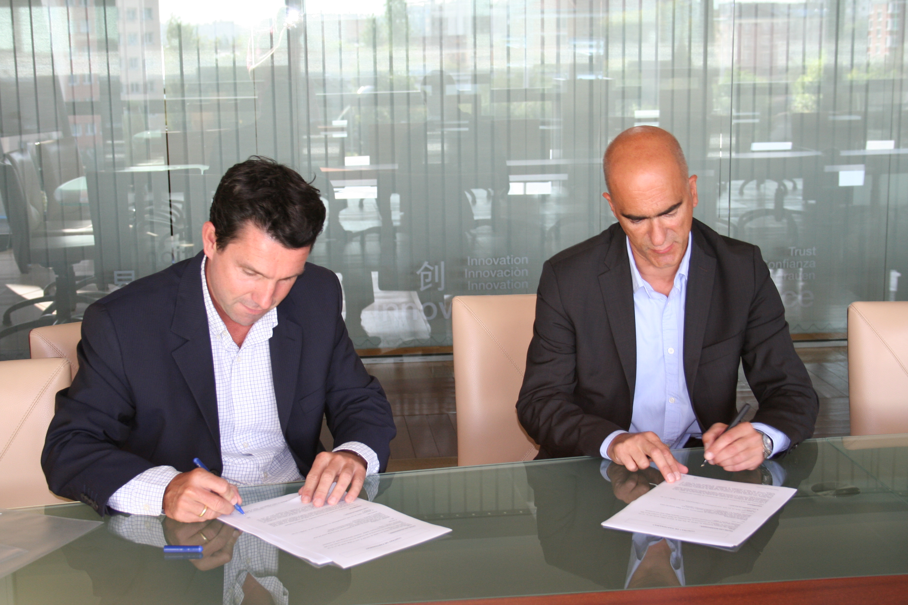 Fabien Poggi, Manager of Sage's Export division (left) and Guy Leclercq, co-founder and CEO of Deveho Consulting