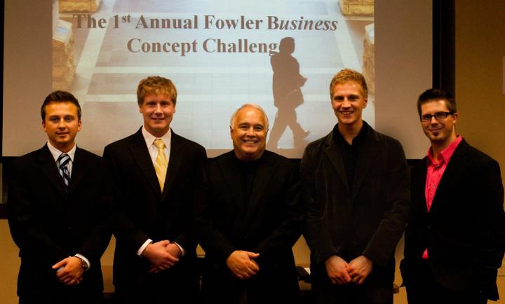 2009 Fowler Business Concept Challenge winners pose with Ron Fowler.