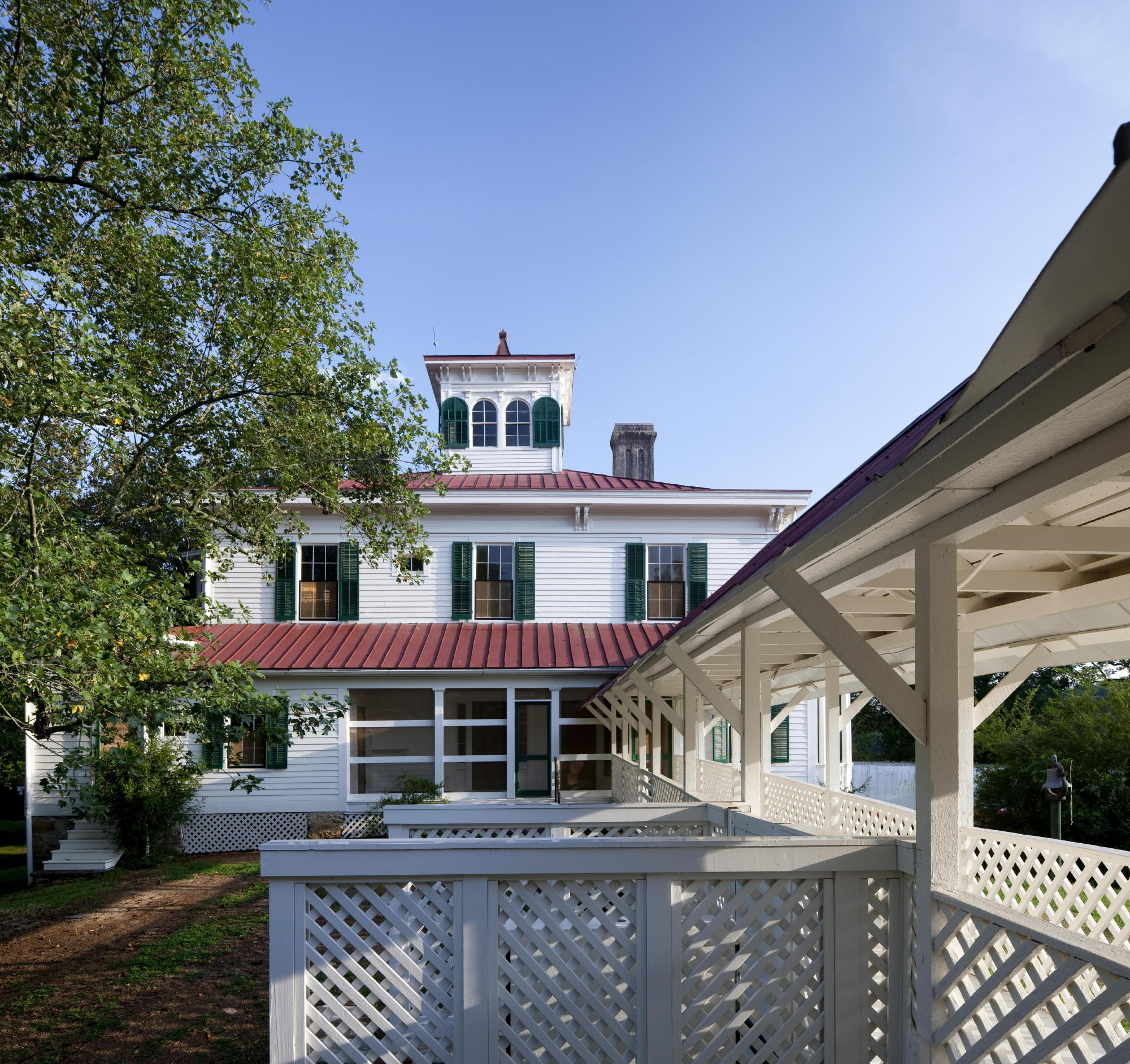 The back of the farmhouse and the breezeway leading to the kitchen. Photo: c Jonathan Hillyer / Atlanta