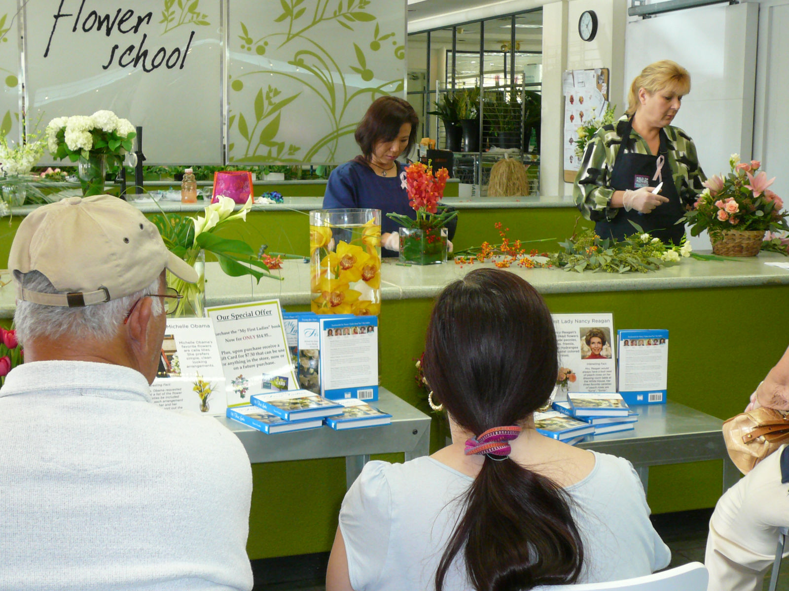Free flower arranging demonstrations