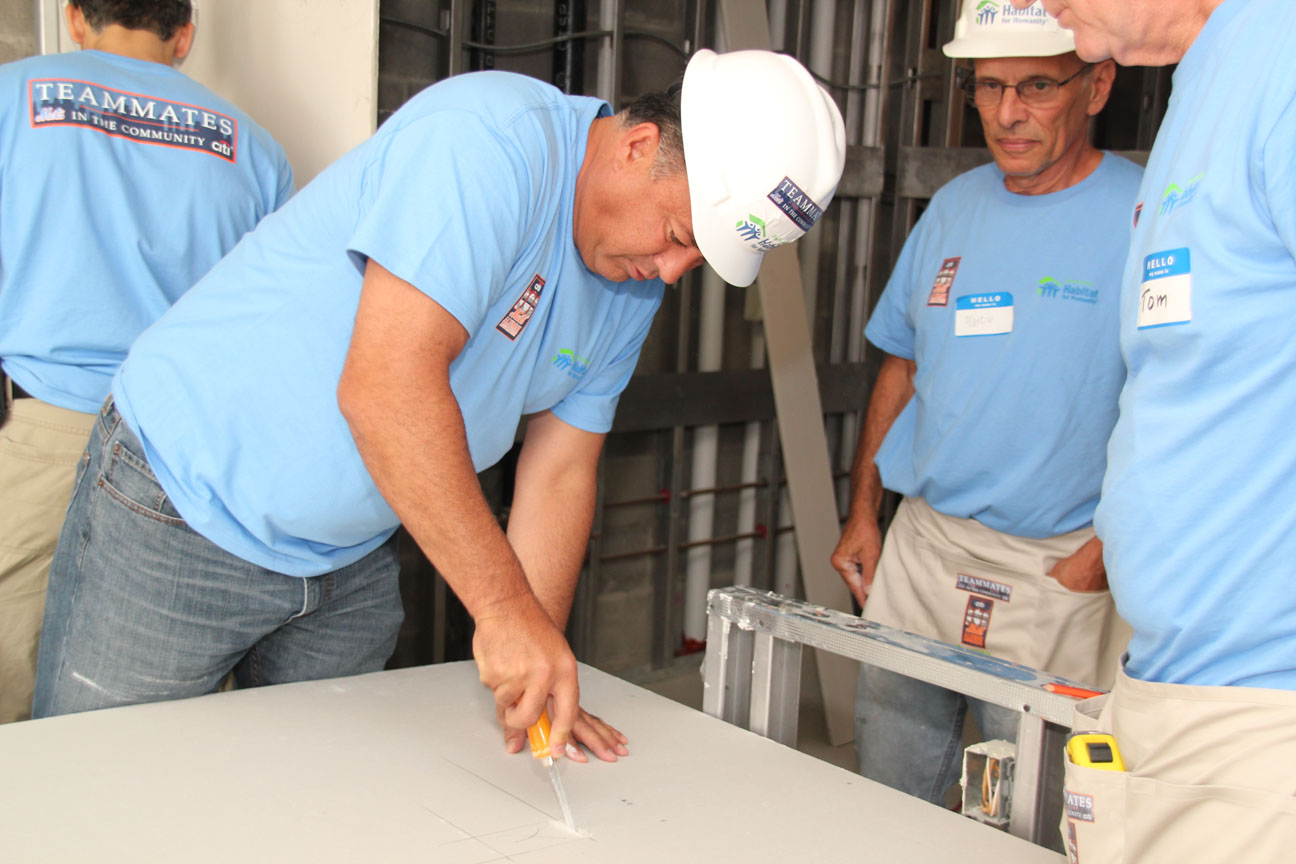 Mets star alumni Ron Darling was among the 1,000 volunteers who helped build these homes