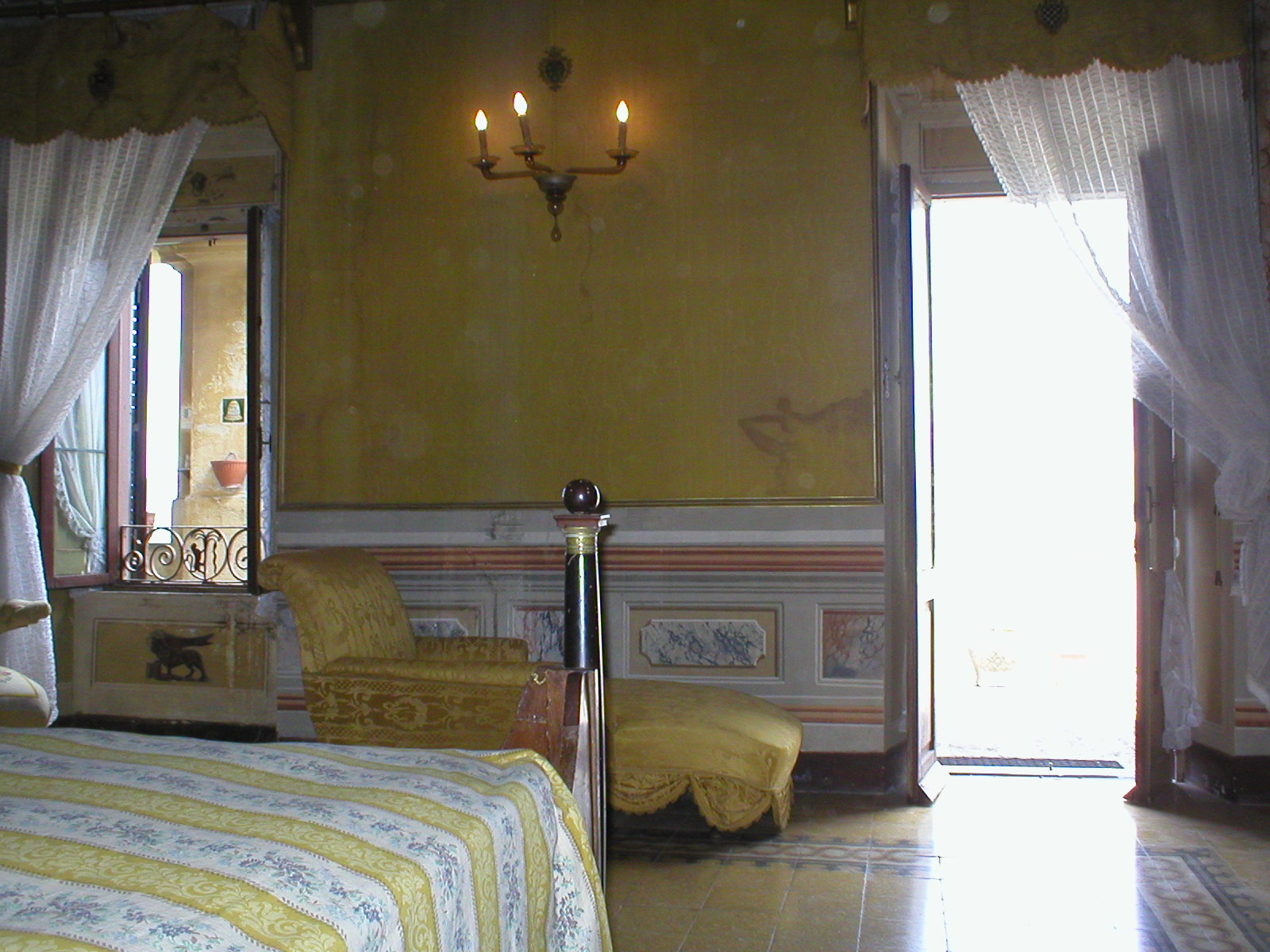 A bedroom in Forani Palace, Casperia