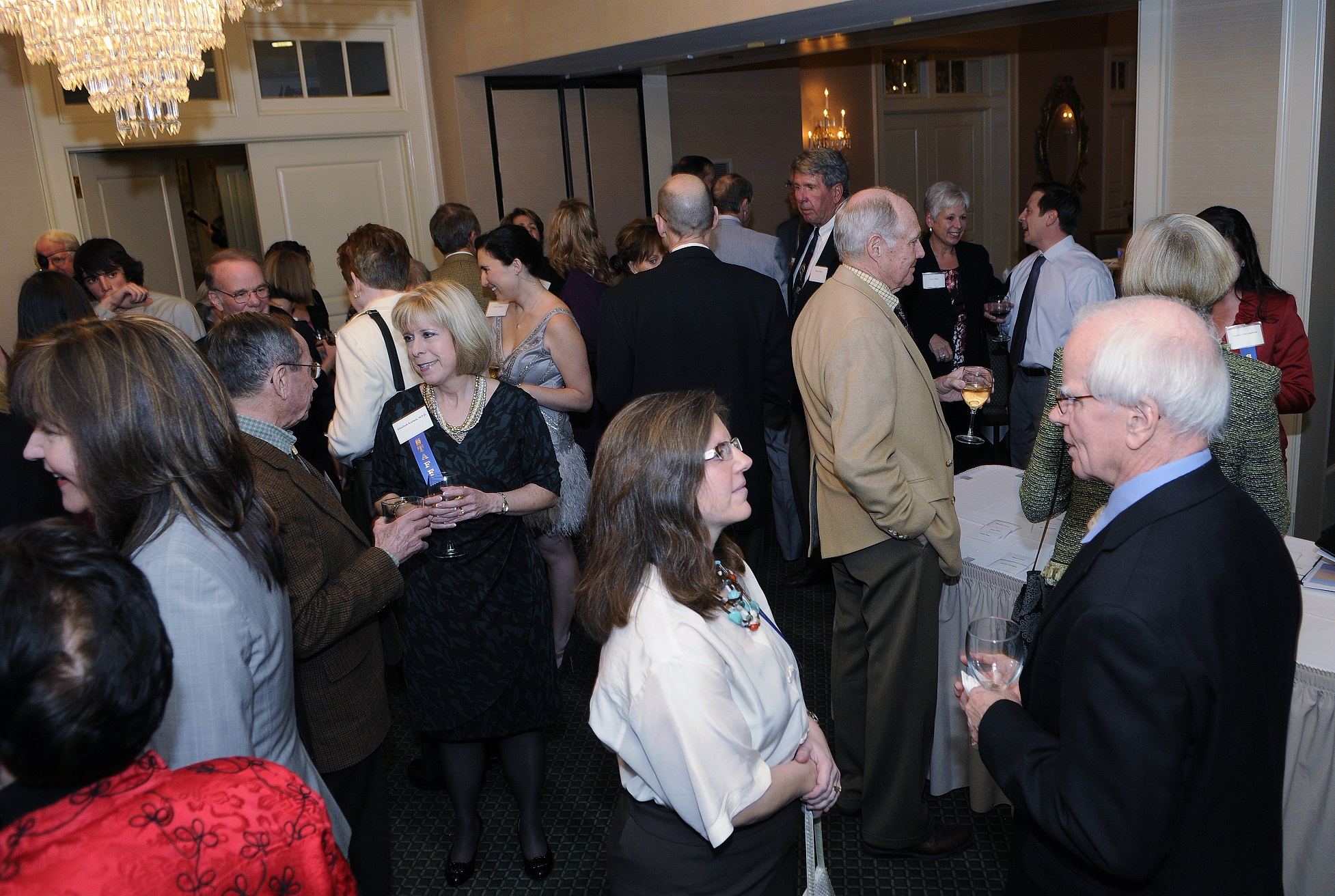 Crowd gathers before the dinner to celebrate CPEP's innaugural George D. Dikeou Award celebration.