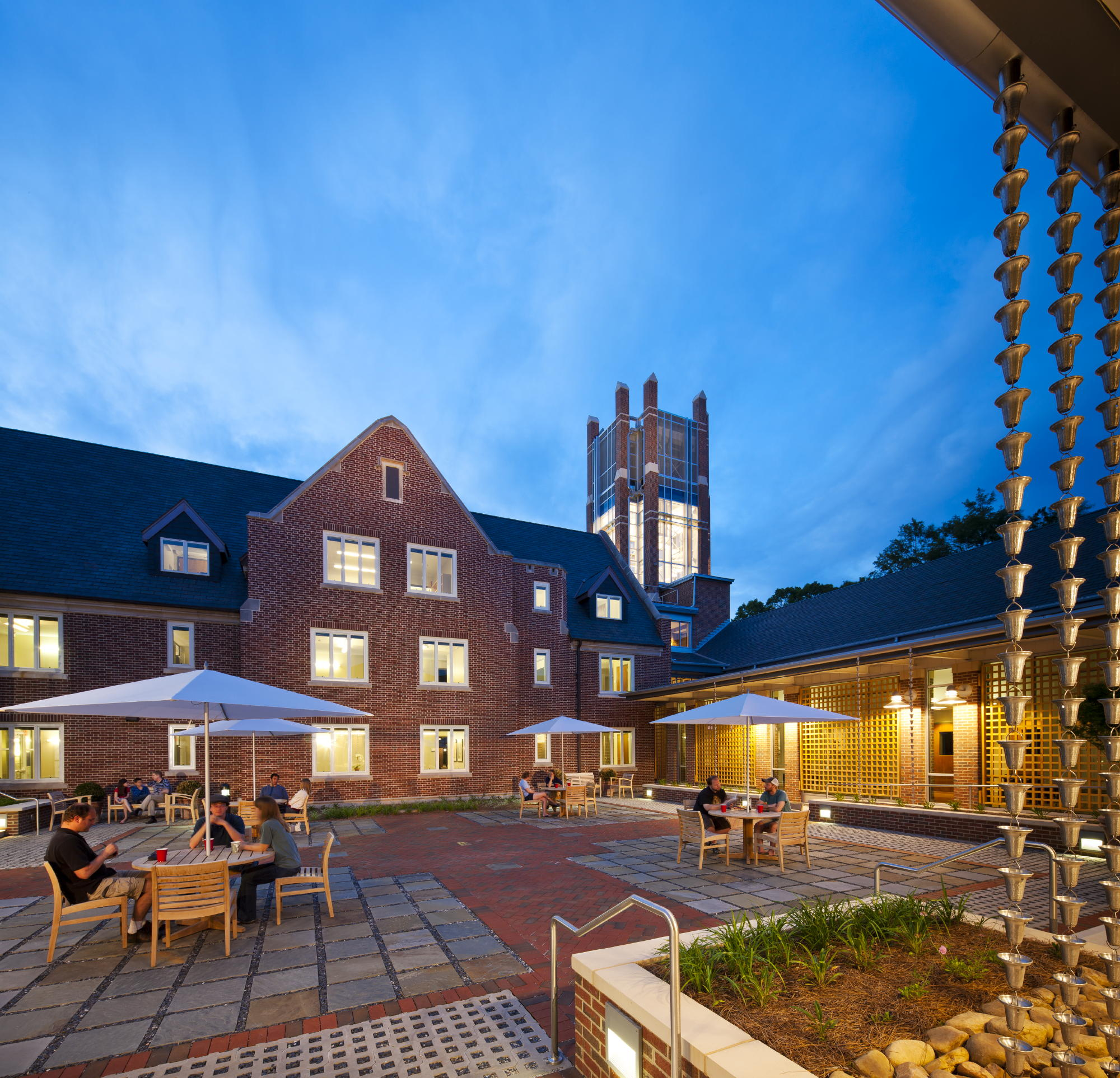 The cloistered courtyard is used as an outdoor teaching, gathering and event space. c 2012 Jonathan Hillyer / Atlanta