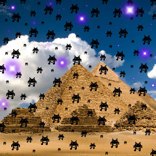 Alien Robots appear over the Pyramids