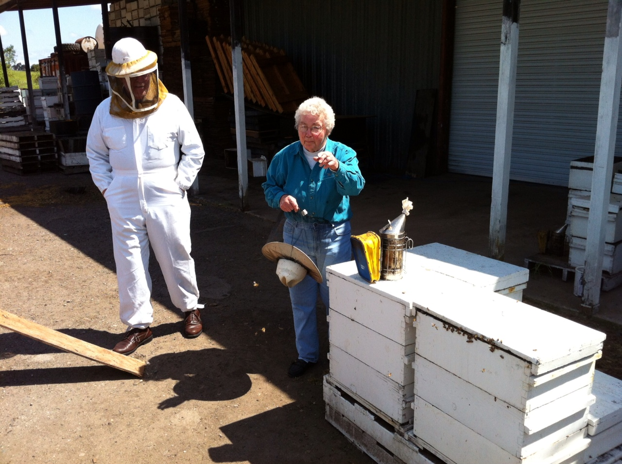 Louise Gentry (right) discusses her beekeeping experience with Dave Aced (left)