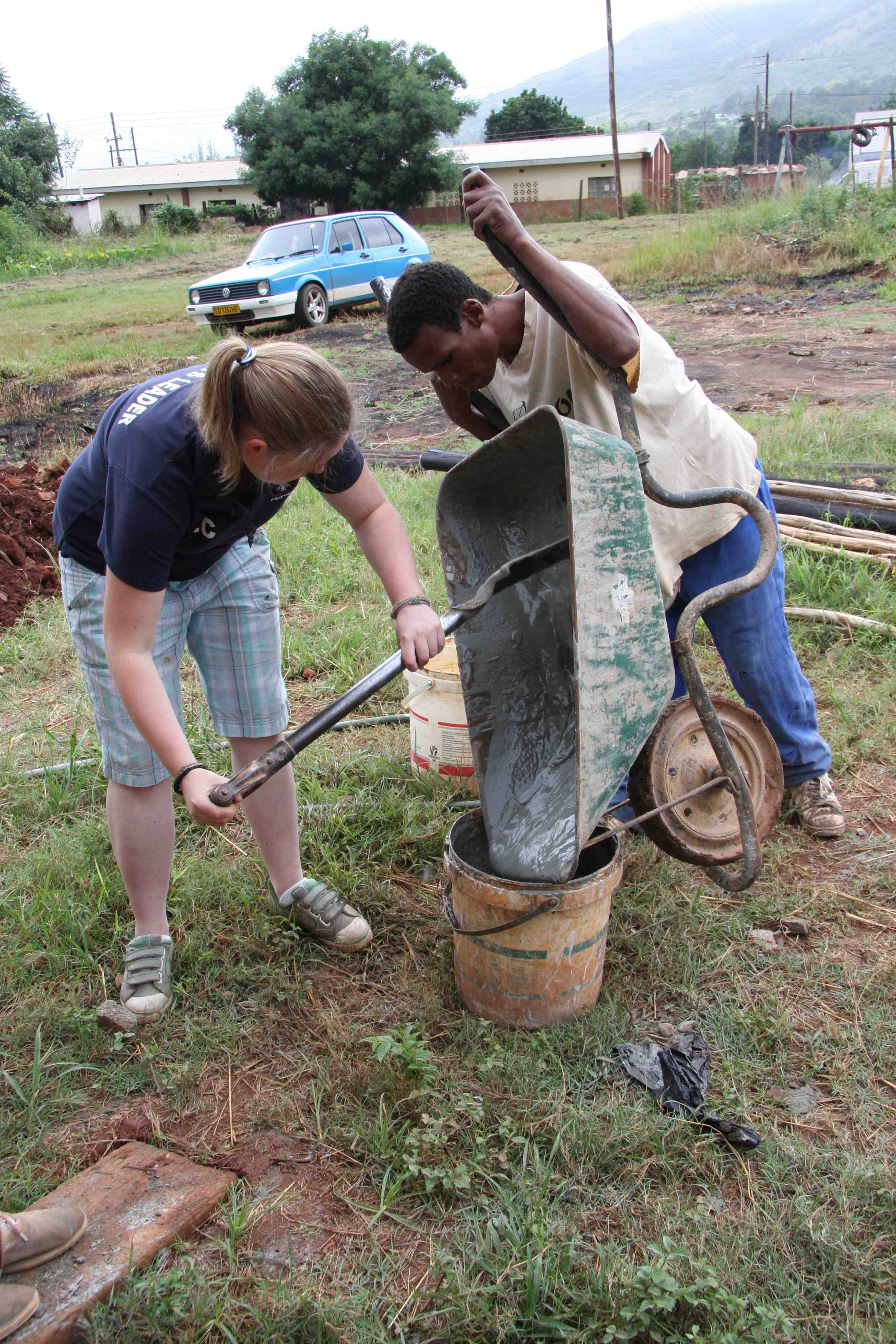 Learn how to build shelters with Kaya Responsible Travel in Swaziland