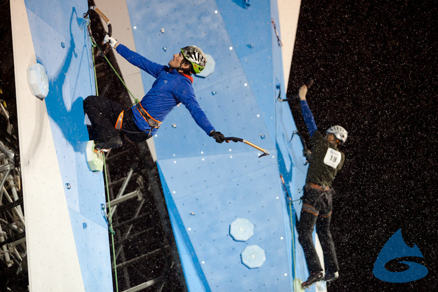 Head-to-head ice climbing competition at the 2012 Winter Mountain Games