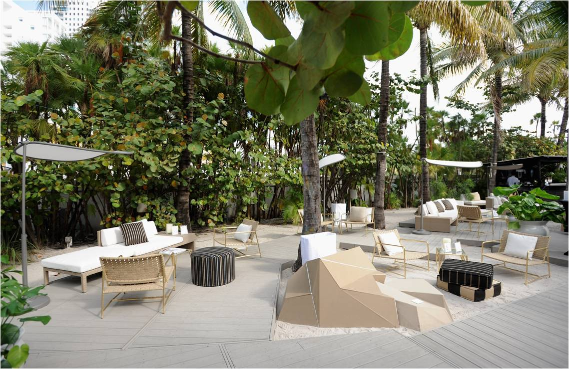 Trex Transcendr high-performance decking in Gravel Path creates a luxurious retreat at Architectural Digest's AD Oasis @ The Raleigh in Miami Beach, Fla.