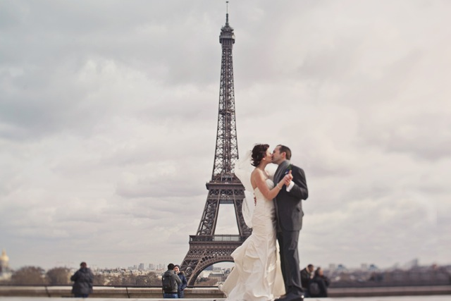 Stylish wedding celebrations in Paris.