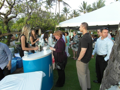 Hite Jinro Brand Models serving Hite Jinro Beer and Cocktails at the ICAOCT Tasting Event, April 17-19th.