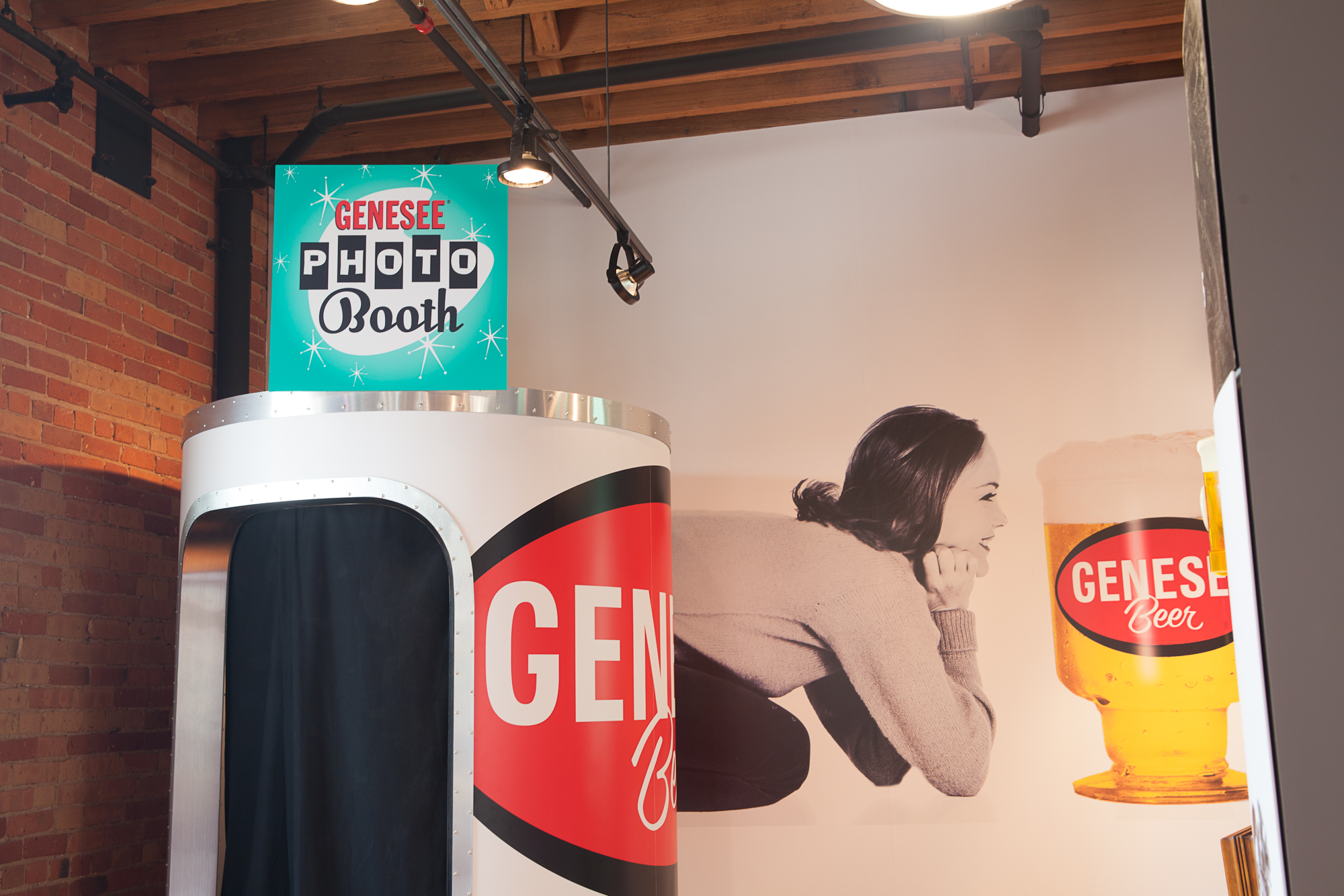 Brew House Exhibit - Beer Can Photobooth