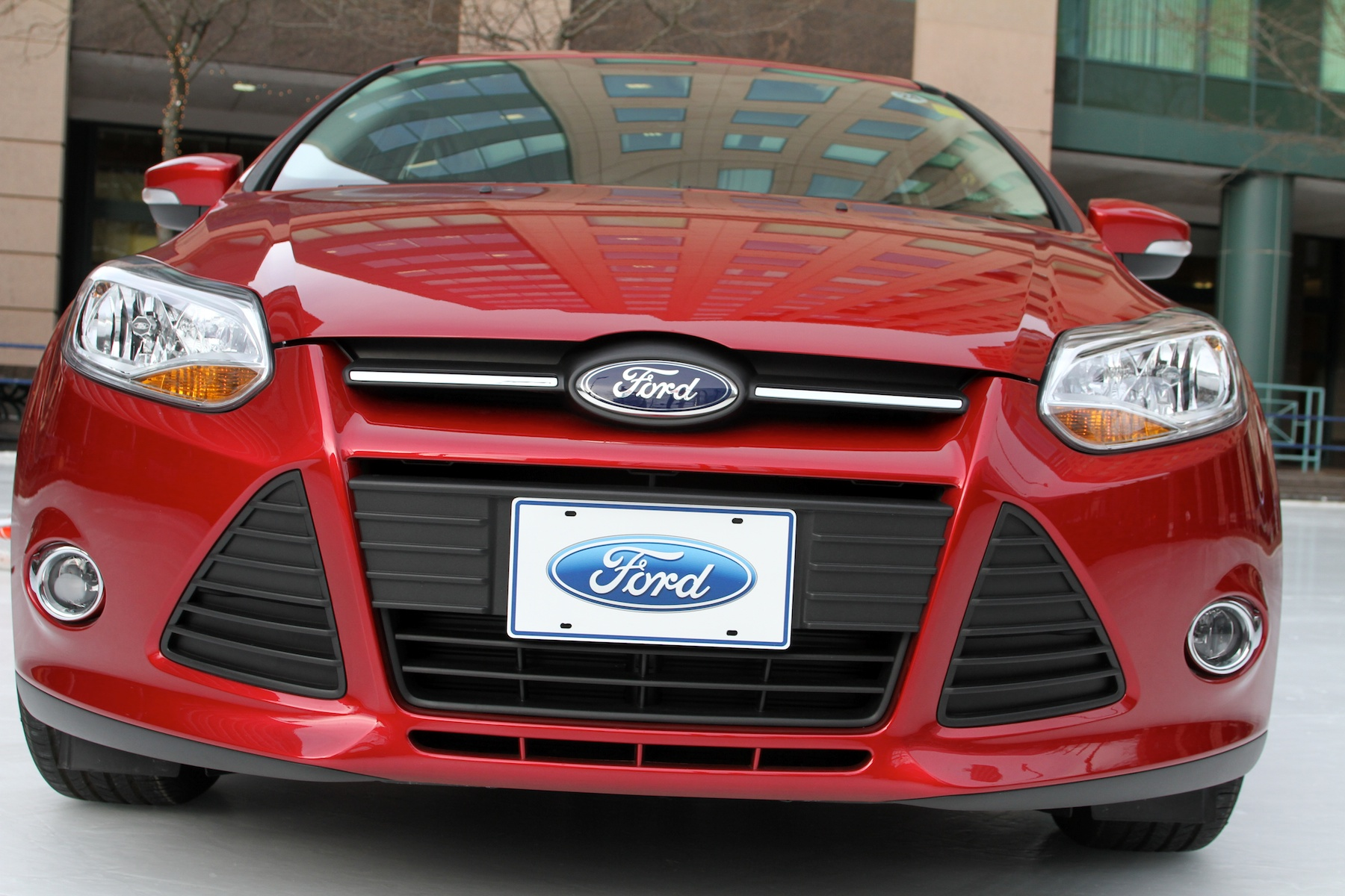 Ten eligible contestants will shoot-to-win a new Ford Focus during Labatt Blue Street Hockey Tournament