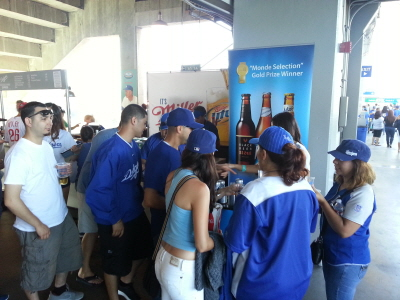 So many fans eager to taste some Hite Beer!
