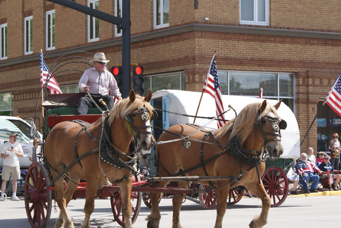 In Lander enjoy the 119th Pioneer Days 4th of July Parade & Rodeo. Parade July 4th, Rodeo July 3-4