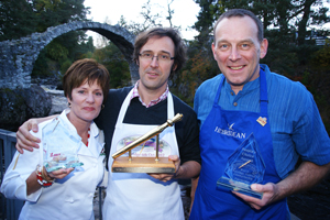 Laurie Figone (left) winner in the Specialty Category at the World Porridge Making Championship.
