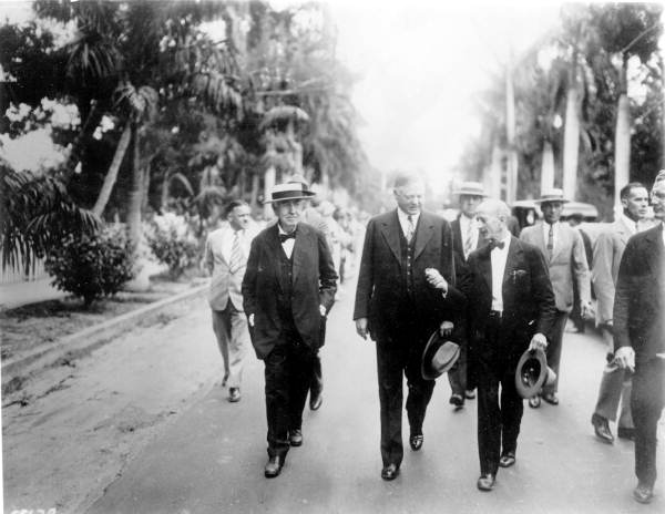 Thomas Edison and President Herbert Hoover stroll Ft. Myers Street