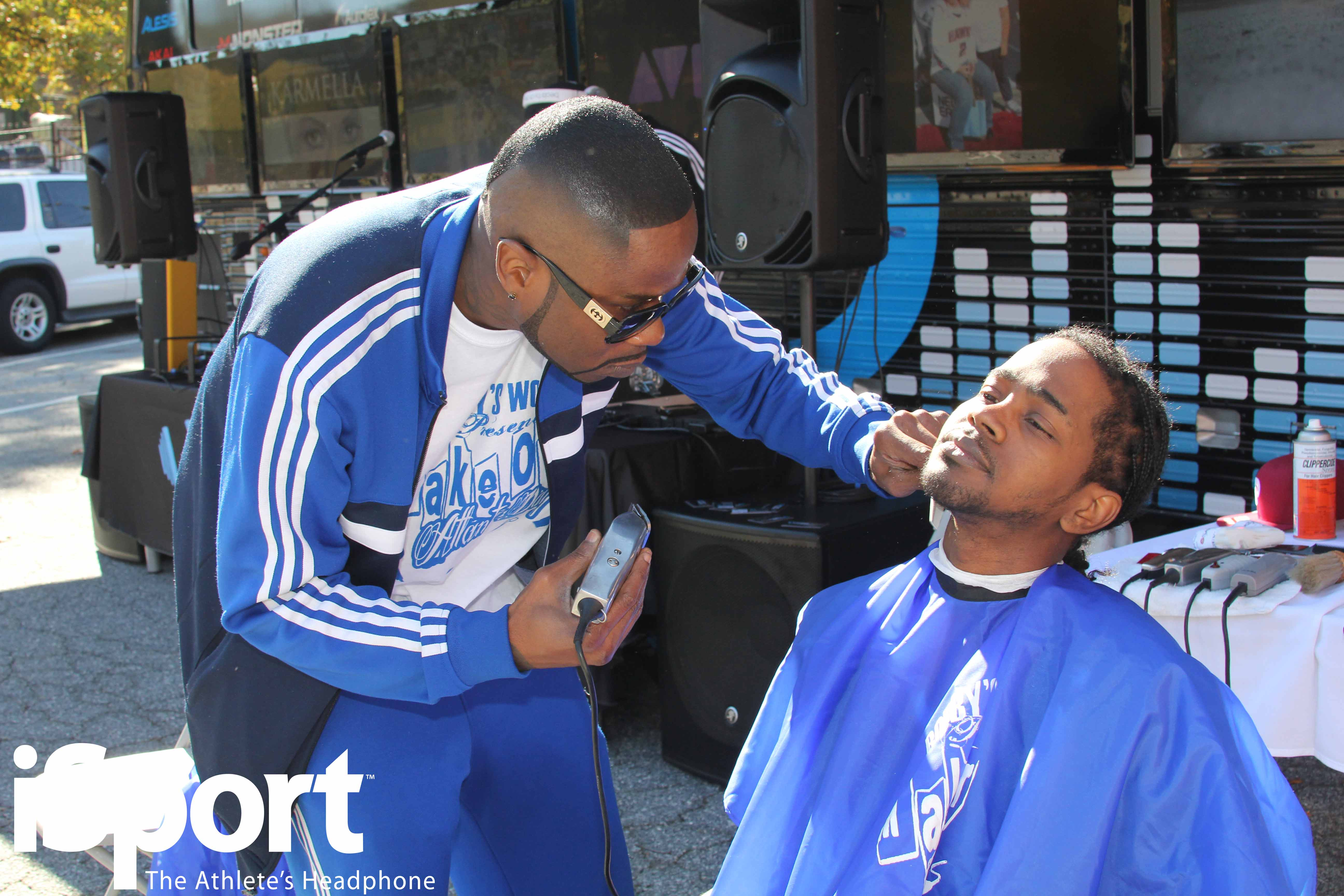 Celebrity Barber BobbysWorld/How to Cut Your Own Hair ...
